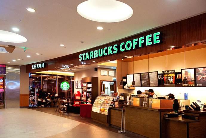 星巴克与上海写字楼分布与租金的相关性研究