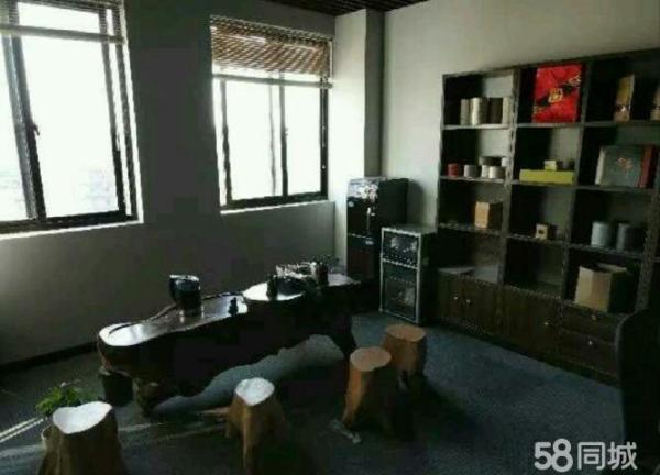 巨型展示柜,接待茶桌,消毒… 柜,净饮水一体机:一间办公室,带双层玻璃