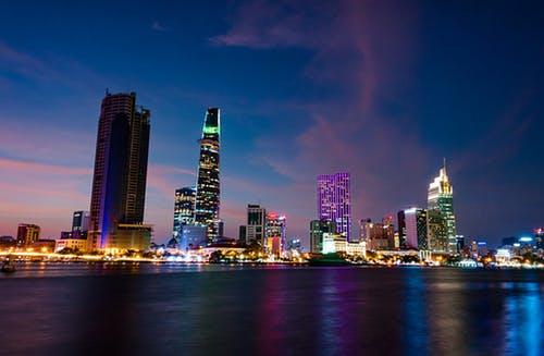 外资积极进行上海写字楼市场投资