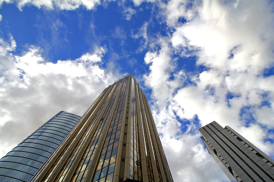 明泰铝业办公楼销售回款贡献利润1.9亿元