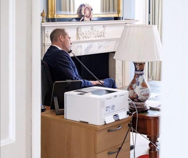 威廉王子安默堡办公室曝光