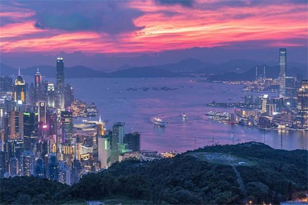 品牌撤离,低单价交易,香港写字楼现寒潮