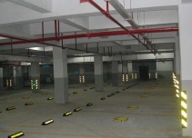 万泰国际停车场