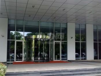 绿地能源大厦大门入口