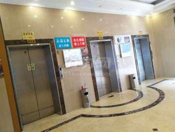 长久商务中心电梯厅