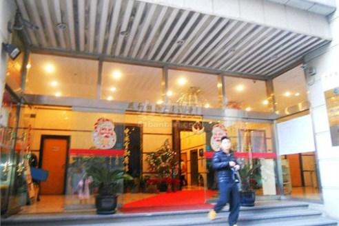 申亚金融广场大楼入口