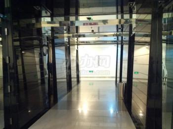 绿地蓝海科技岛电梯厅