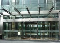 越界创意园区大楼入口
